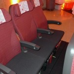 jal economy seats 150x150 Japan Airlines JAL SKY SUITE 777 Soars One Class Higher   Travel News
