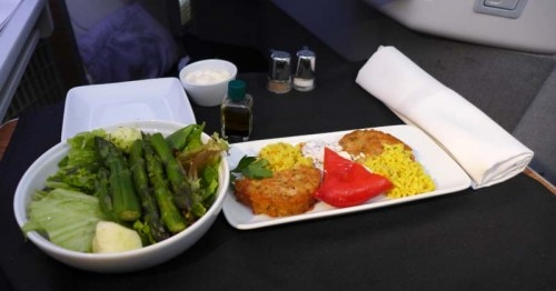 A meal in Business Class on American Airlines' Boeing 777-300ER