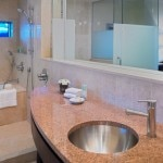 A bathroom in a Deluxe King guest room at Hyatt Regency Trinidad