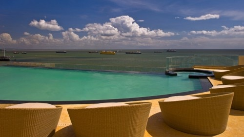 infinity pool 500x281 Hyatt Regency Trinidad   Hotel Review