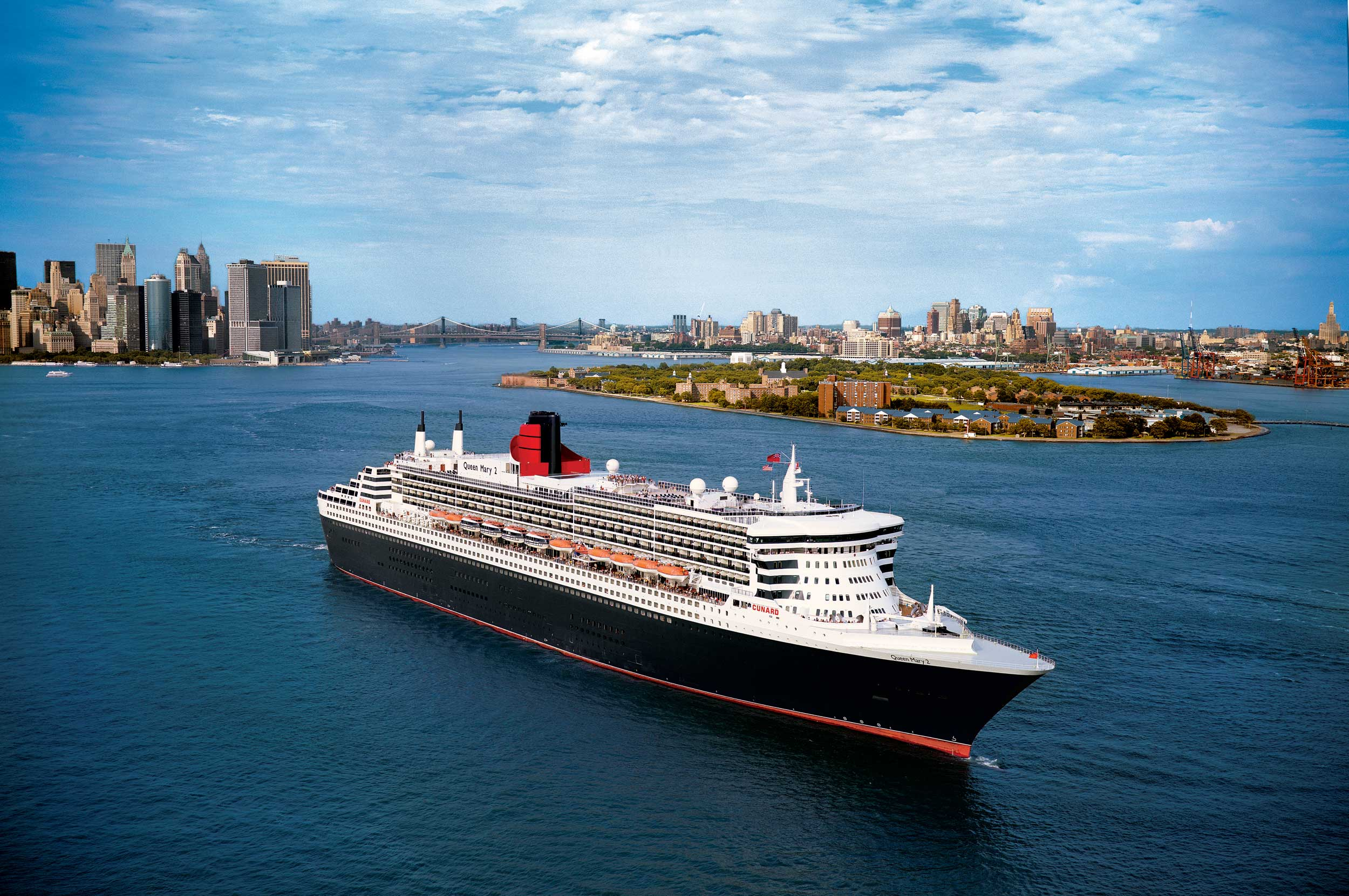 Crossing the North Atlantic in Style on the Queen Mary 2 ...