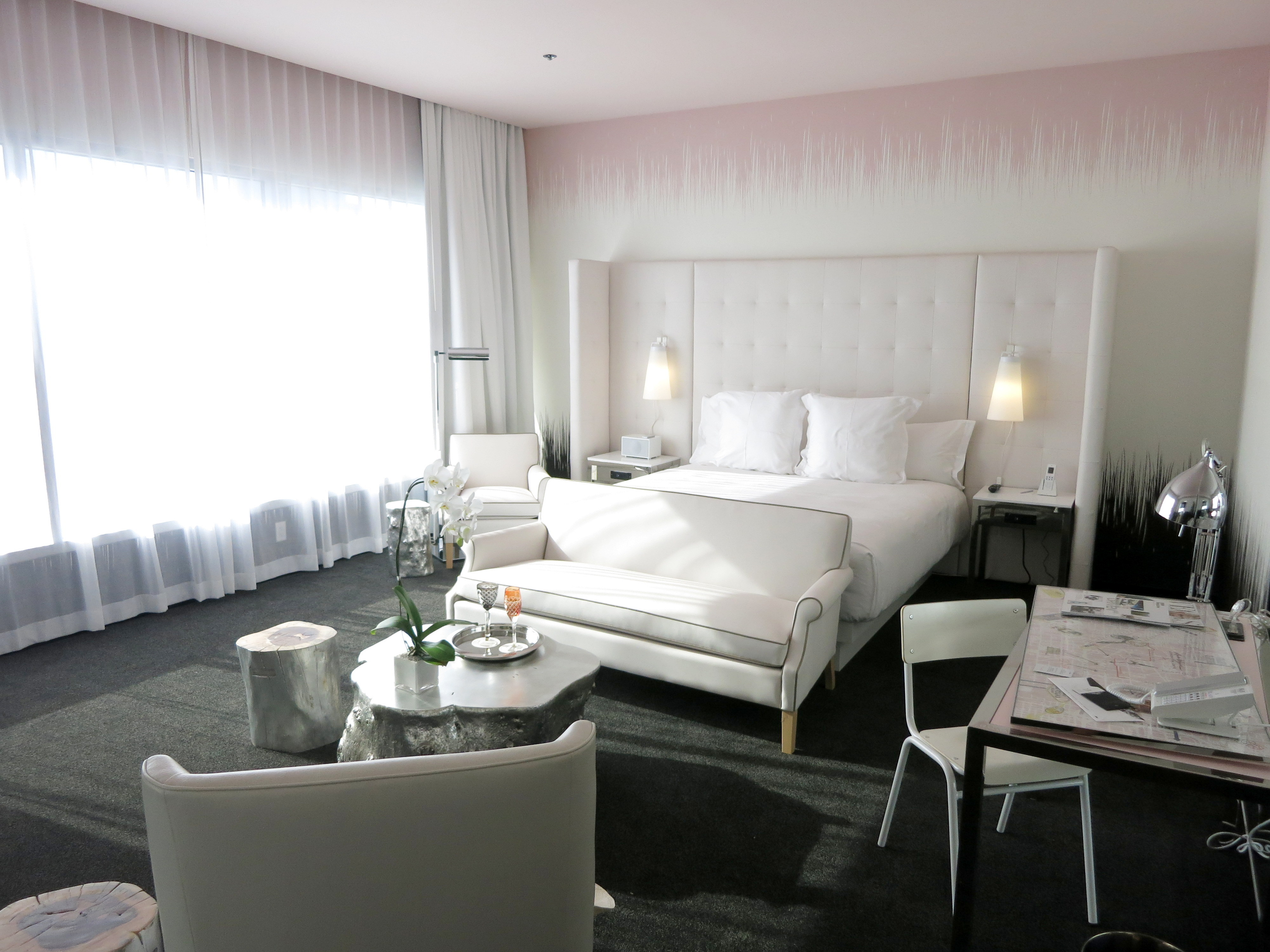 A Suite in the World Tower | SLS Las Vegas | GAYOT's Blog