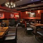Gordon Ramsay Pub & Grill dining room