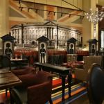 Gordon Ramsay Pub & Grill lounge