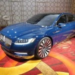 A three-quarter view of the Lincoln Continental Concept