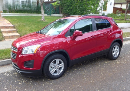 A three-quarter front view of the 2015 Chevrolet Trax LT FWD