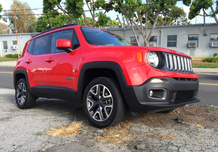 A three-quarter front view of the 2016 Jeep Renegade Latitude 4x4
