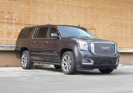 A three-quarter front view of the 2016 GMC Yukon XL Denali 4WD