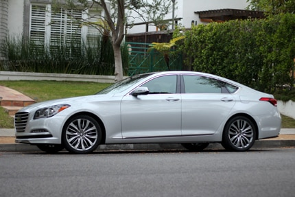 A side view of the 2015 Hyundai Genesis RWD 5.0