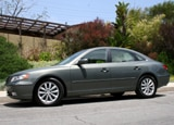 A side view of a 2006 Hyundai Azera