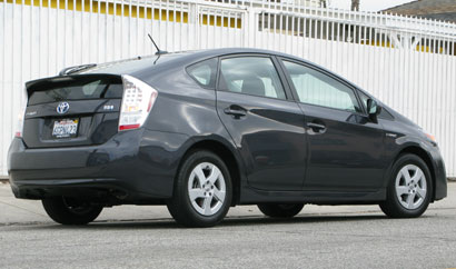 A three-quarter rear view of a winter gray metallic 2010 Toyota Prius
