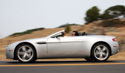 A side view of a 2009 Aston Martin V8 Vantage Roadster