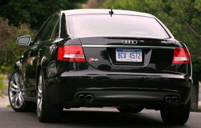 A rear view of a 2007 Audi S6