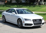 A three-quarter front view of the 2014 Audi S7 quattro S tronic