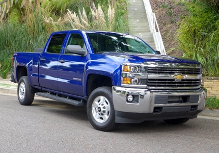A three-quarter front view of the second best-selling car of 2015, the Chevrolet Silverado