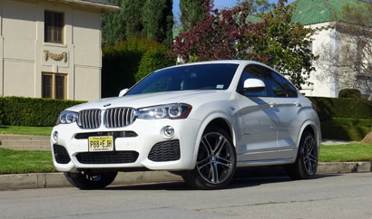 A three-quarter front view of the 2015 BMW X4