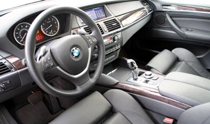 An interior view of a 2008 BMW X6 xDrive35i