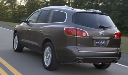 A three-quarter rear view of the 2008 Buick Enclave AWD