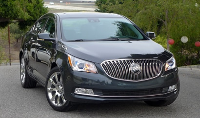 A three-quarter front view of the 2014 Buick LaCrosse Premium