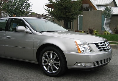 A three-quarter front view of a 2006 Cadillac DTS