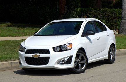 A three-quarter front view of the 2014 Chevrolet Sonic