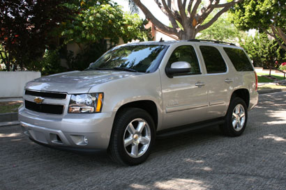 A three-quarter front view of a 2007 Chevrolet Tahoe