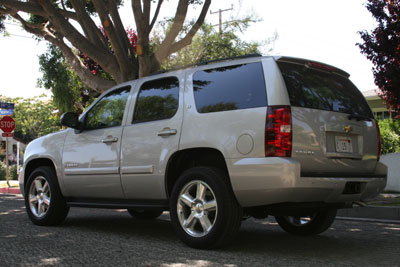 A three-quarter rear view of a 2007 Chevrolet Tahoe