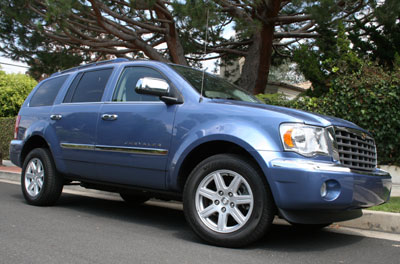 A three-quarter front view of a blue 2007 Chrysler Aspen Limited 4x4