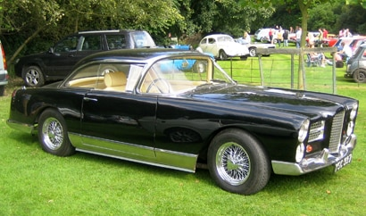 A three-quarter front view of a 1961 Facel Vega HK500