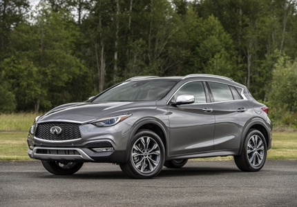 A three-quarter front view of the 2017 Infiniti QX30