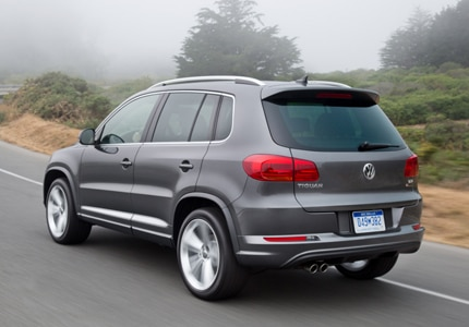 A three-quarter rear view of a 2017 Volkswagen Tiguan SUV