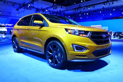 A three-quarter front view of the 2015 Ford Edge Sport AWD