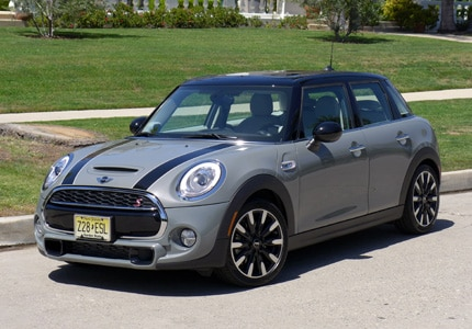 A three-quarter front view of the Mini Cooper S Hardtop 4 Door