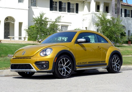 A three-quarter front view of the 2016 Volkswagen Beetle Dune coupe