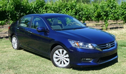 A three-quarter front view of the 2013 Honda Accord EX Sedan
