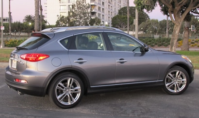 A side view of a 2013 Infiniti EX37