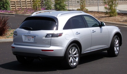 A three-quarter rear view of a 2007 Infiniti FX35