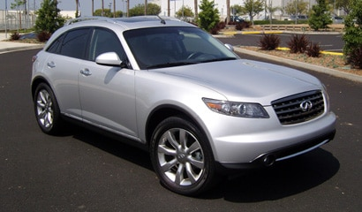 A three-quarter front view of a 2007 Infiniti FX35 Crossover