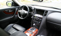 An interior view of the 2009 Infiniti FX50 AWD