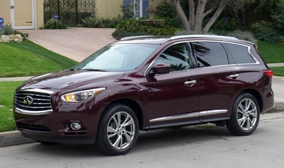 A three-quarter front view of the 2014 Infiniti QX60 3.5 AWD