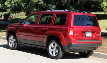 A three-quarter rear view of the 2014 Jeep Patriot Limited 4x4