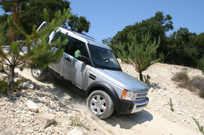 The Land Rover LR3 descends down a steep incline