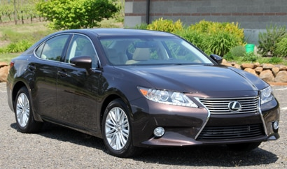 A three-quarter front view of a 2013 Lexus ES 350