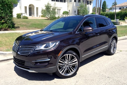A three-quarter front view of the 2015 Lincoln MKC Black Label AWD