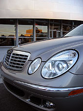 Front bumper of the 2006 Mercedes-Benz E350