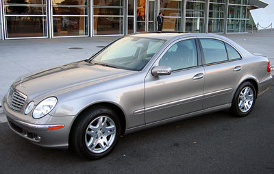 A three-quarter front view of a 2006 Mercedes-Benz E350