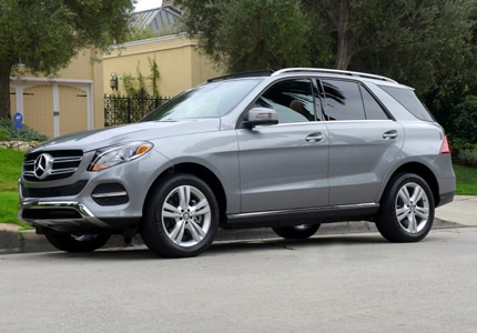 A three-quarter front view of a 2016 Mercedes-Benz GLE 400 4MATIC