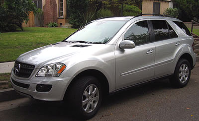 A three-quarter front view of a 2006 Mercedes-Benz ML350