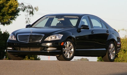 A three-quarter front view of a 2010 Mercedes-Benz S400 HYBRID Sedan