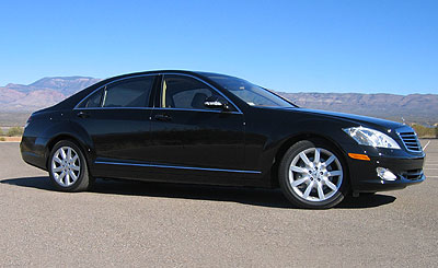A side view of a 2007 Mercedes-Benz S550